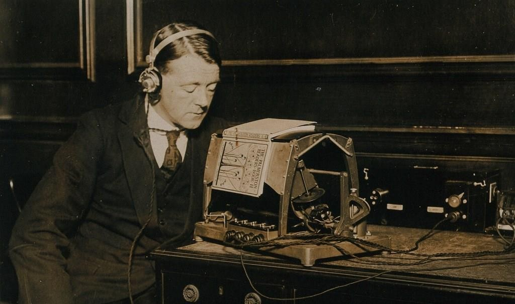 Figure 1: Reading an optophone, ca.1921, care of Matthew Rubery, Heather Tilley, and Wellcome Library, London